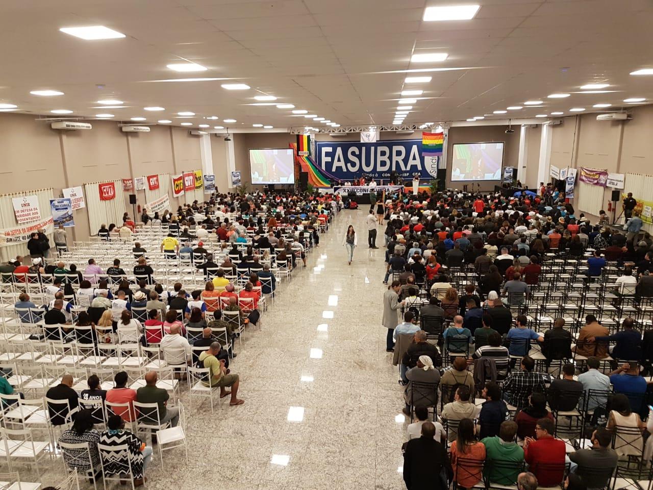 16 delegados do SINTUFSCar participam do 23º CONFASUBRA em Poços de Caldas